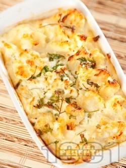 Запечен карфиол (вегарианска запеканка) със сирене, яйца и течна сметана на фурна - снимка на рецептата